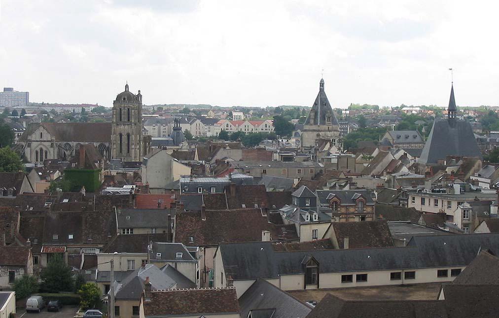 Centre ville de Dreux ou se situent les locaux de l'association tutélaire de la région Drouaise